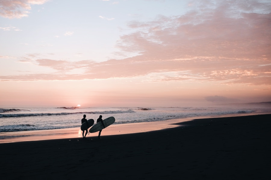 A Surfer's Lifestyle: what surfing teaches us about life